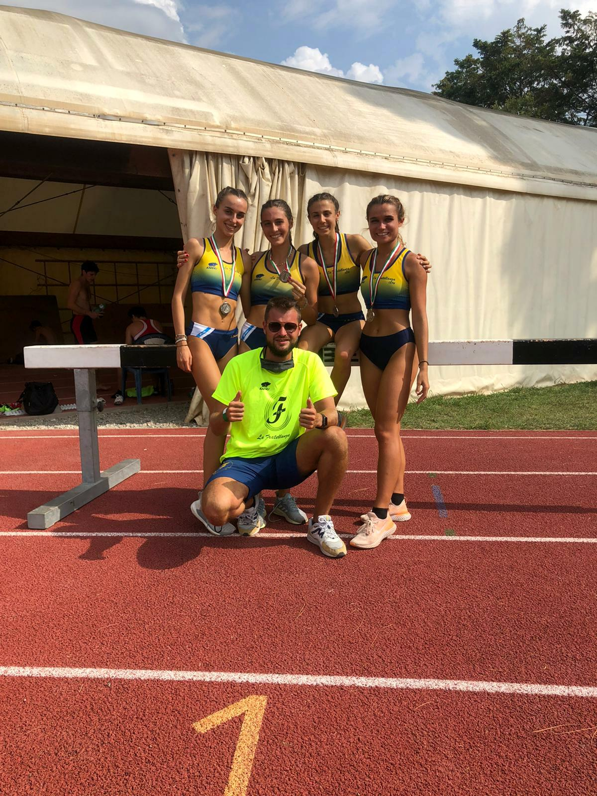 4x400JunioresDonne-2