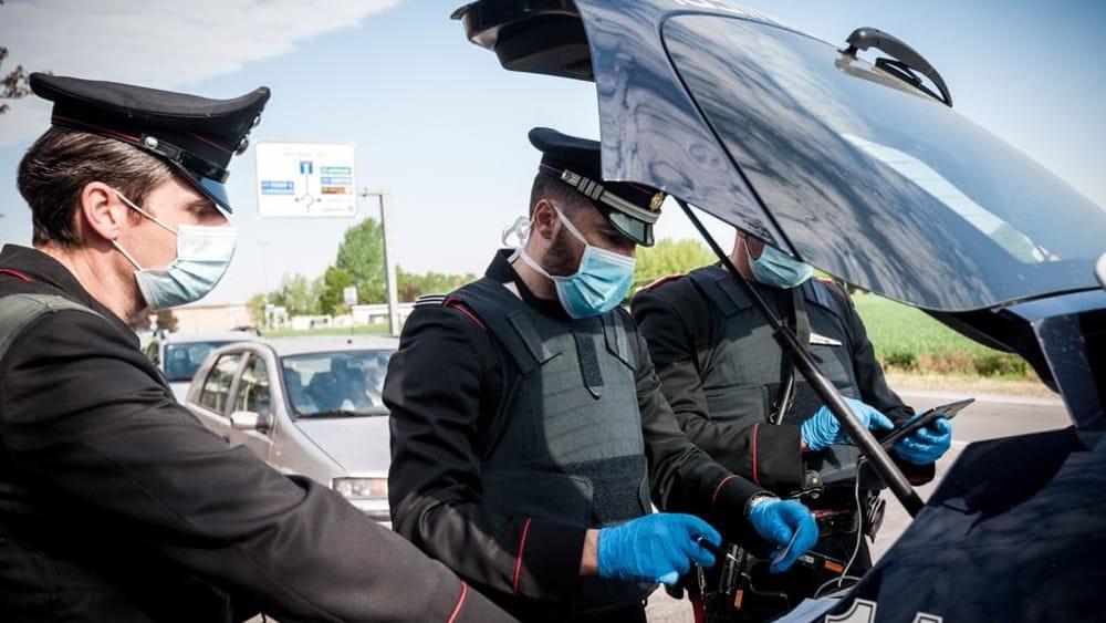 Consegna ai carabinieri la tessera Coop al posto della patente, ubriaco denunciato