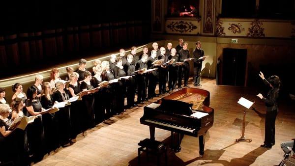 """Con il Coro Luigi Gazzotti tutta la selvaggia forza musicale dei """"Carmina Burana"""""""