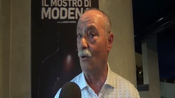 """Sala gremita per la prima de """"Il Mostro di Modena"""". Il Regista: """"Spero che sia riaperto il caso"""""""