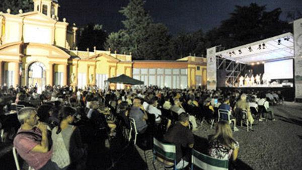 """Musica. Appuntamenti tutte le domeniche con il """"Salotto in piazza"""" ai Giardini Ducali"""