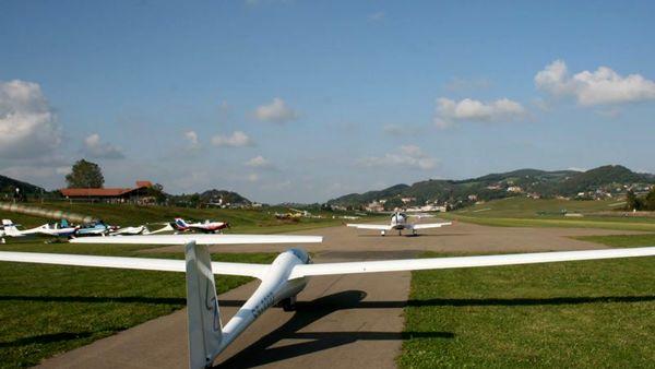 Flight & Fun, a Pavullo inaugura la III Edizione della Fiera Internazionale aeronautica