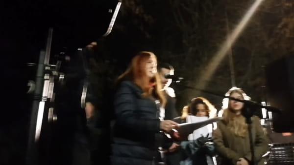 IL VIDEO - Le Sardine a Maranello manifestano contro Salvini
