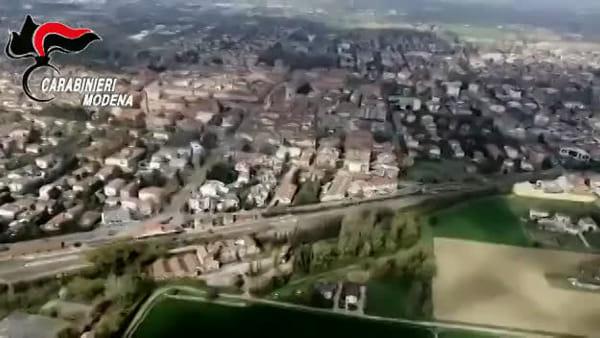 VIDEO | Pattugliamenti anti-covid, a Carpi anche l'elicottero dell'Arma