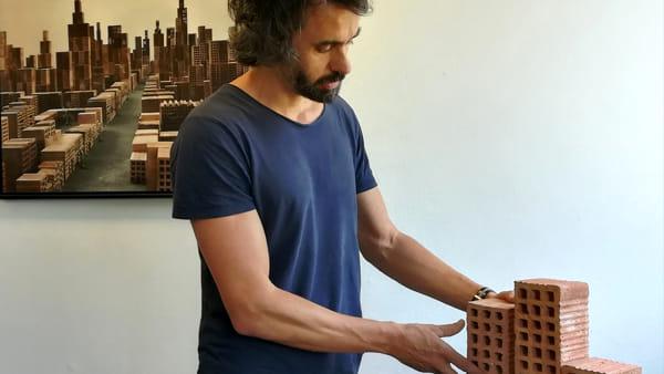 """Ospedale di Sassuolo, il ciclo dell'arte """"etica"""" si conclude con la mostra di Matteo Mezzadri"""