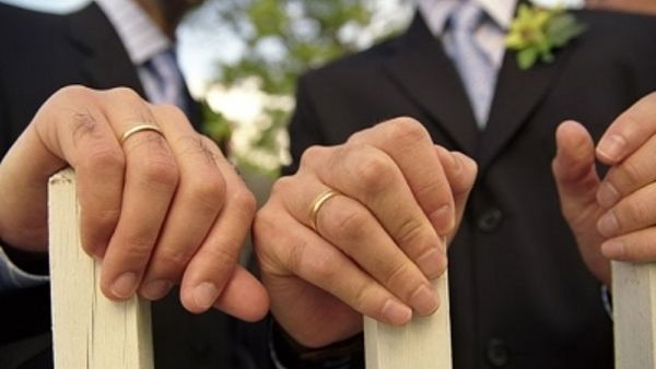"Matrimoni gay, Sel: ""Riconoscere anche a Modena quelli celebrati all'estero"""
