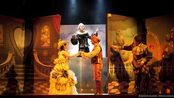 """""""Il Gatto con gli stivali"""", al Teatro Cittadella va di scena lo spettacolo teatrale"""