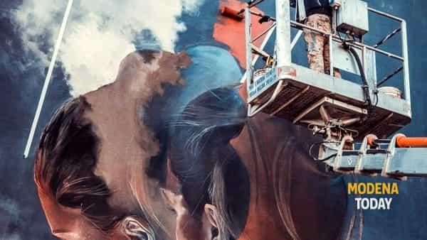 """""""Il mito e il tempo"""", un'opera di Vesod all'Hangar Rosso Tiepido"""