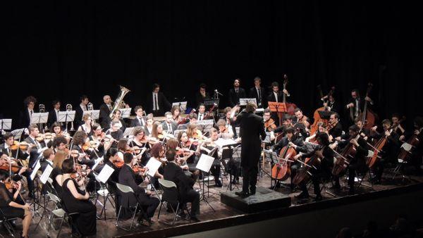 Fiorano, 'Concerto degli auguri' al Teatro Astoria
