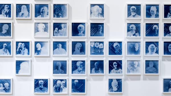 """I volti del """"R-Nord"""" nella mostra di Tommaso Mori ad AGO Fabbriche Culturali"""