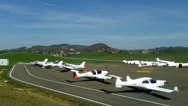 Aeroporto di Pavullo,raduno nazionale dei Club di Aviazione Popolare