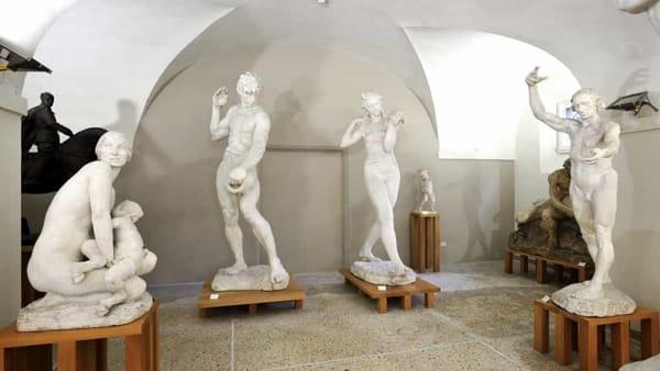Porte aperte per la Gipsoteca del Graziosi e visite col Touring club italiano