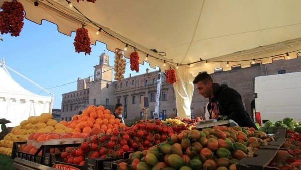 Carpi a Tavola, torna il tour del gusto tra piazze e locali