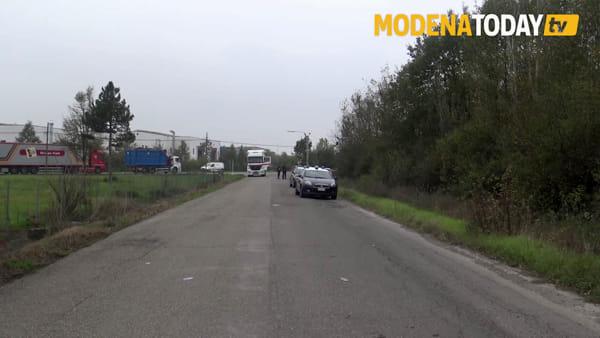 IL VIDEO - Auto in fiamme in via Caruso: muore una persona