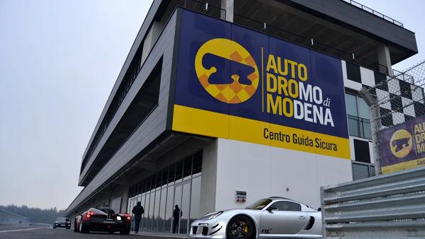 """Modena sperimenta la guida autonoma, una giornata """"smart"""" all'Autodromo"""