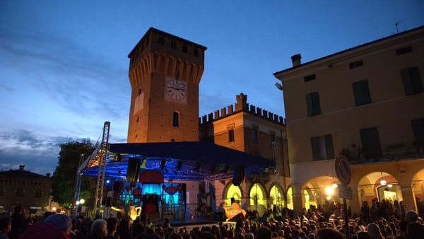 Gastronomia, musica e mercatini, torna la Fiera di Maggio a Castelnuovo