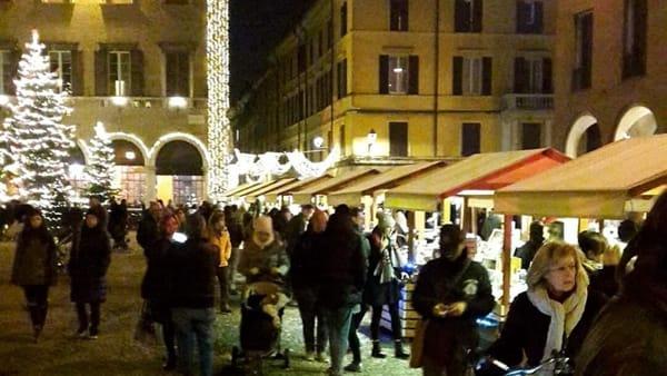 Parva Naturalia, in Piazza Grande il tradizionale mercatino d'un tempo con le strenne di Natale