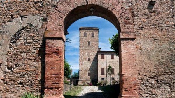 """""""Sassuolo solidale"""", cena al castello di Montegibbio"""