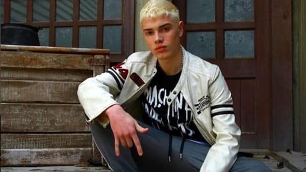 Il giovane rapper Biondo incontra i suoi fan al Grandemilia
