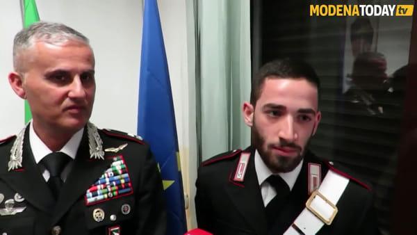 IL VIDEO | Due giovani carabinieri fuori servizio bloccano un ladro di bici