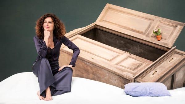 """""""Sento la Terra girare"""", l'ironia di Teresa Mannino al Teatro Storchi"""