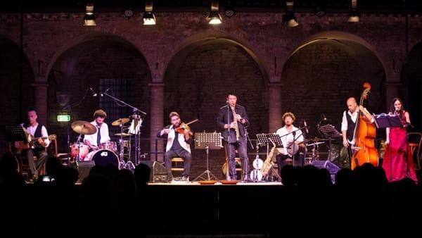 """""""Anima Bella"""" concerto gitano in forma teatrale al Teatro dei Venti"""