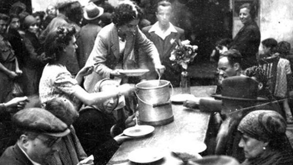 """Ricette partigiane al pranzo """"Cibo resistente"""" del 25 Aprile"""