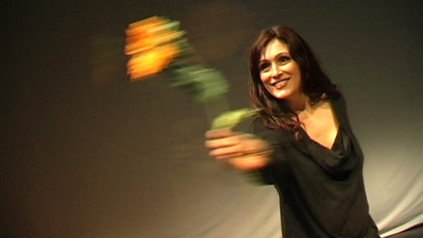 """""""Nudi. Le ombre della violenza sulle donne"""" in scena all'Auditorium Enzo Ferrari"""