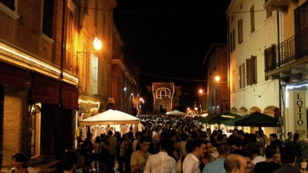 """Spilamberto, alla fiera di San Giovanni c'è la """"Notte Balsamica"""""""