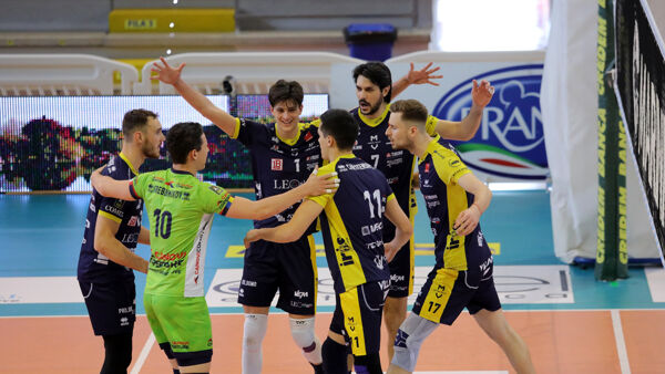 Top Volley Cisterna - Leo Shoes Modena 2-3 | Modena spreca e porta a casa solo due punti