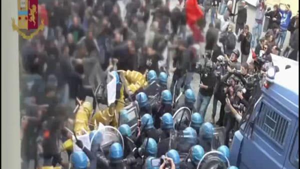 Arresti e obblighi di firma per gli antagonisti coinvolti negli scontri al G7 - IL VIDEO