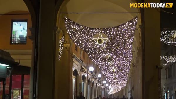 IL VIDEO - Il centro storico di Modena illuminato dalle luci di Natale